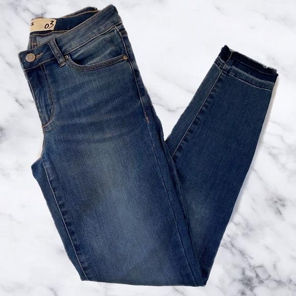 Garage Medium Wash Mid-Rise Skinny Jeans